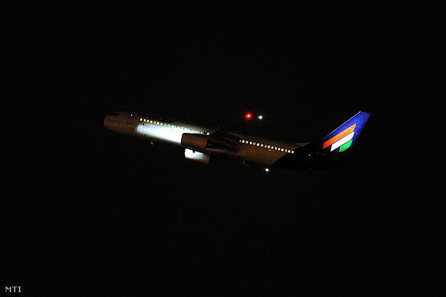 Február 3-án a Malév Írországba tartó 737-800-as típusú repülőgépe felszáll a Budapest Liszt Ferenc Nemzetközi Repülőtérről. Ez a gép volt a Malév utolsó járata amely Helsinkiből indult és reggel szállt le Budapesten.