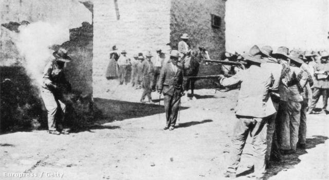 Felkelők kivégzése Mexikóban
