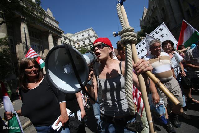 Devizahiteles tüntetés 2013-ban