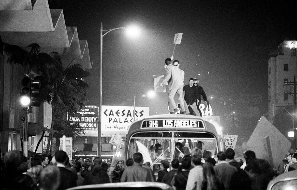 Annyira népszerűvé vált a Sunset Strip, hogy a helyi boltosok és az önkormányzat összefogott az éjszaka szórakozó ifjúság ellen és kijárási tilalmat rendelt el. Bevonták a klubok működési engedélyét, a Whiskyt pedig át kellett keresztelni The Whiskre, mivel az alkoholos ital neve rossz hatással van a fiatalságra. Odáig mentek, hogy le akarták dózerolni a népszerű Pandora's Box szórakozóhelyet, aminek egy hatalmas és brutálisan feloszlatott tüntetés lett a vége. A Sunset Strip-i zavargások kifejezést egyébként sokan túlzónak tartják, hiszen mindössze egy buszt borítottak fel a viszonylag békés tüntetők, akik között feltűnt több híresség is, mint Cher, Jack Nicholson, David Crosby, Neil Young és Peter Fonda is. Utóbbit végül bilincsben vitték el a rendőrök. Az alapítók végül visszaperelték a klub nevét és az engedélyeket.
