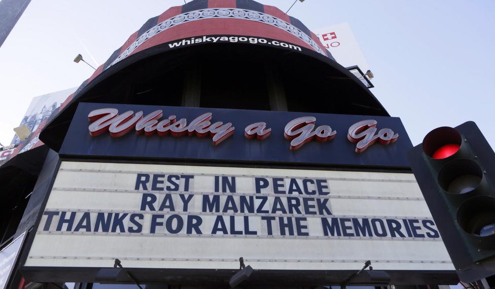 2013. A Whisky búcsúja a 74 éves korában elhunyt Ray Manzarektől.