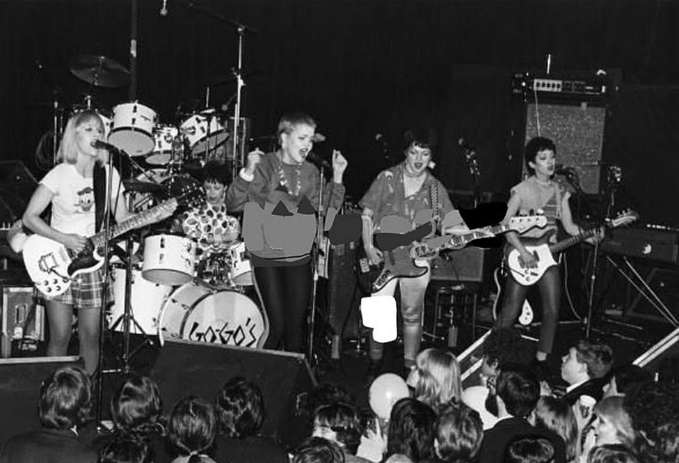 A Go-Go's csak csajokból álló lánycsapat volt még óriási hatással a szép lassan építkező new wave-re. A punk bölcsöjének számító Masque-ban kezdtek el zenélni, korábban elképzelhetetlen lett volna, hogy háromszoros platinalemezzel mutatkozzanak be. Nekik sikerült, így léphettek fel a brit Madness ska zenekarral a Whiskyben, majd követték őket Angliába is. Több feloszlás után a Go-Go's még mindig aktív, máig rengeteget turnéznak az Egyesült Államokban.