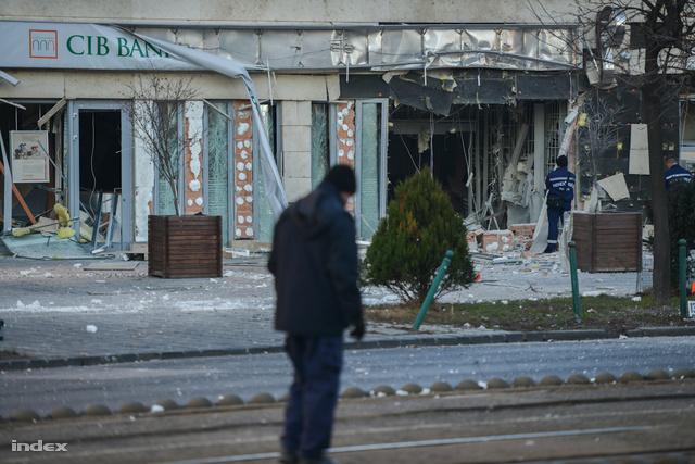 Legfrissebb híreinket a robbantásról kapcsolódó cikkünkben olvashatják.