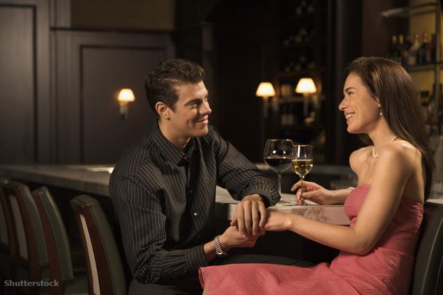 Elvált feleség randevú valakivel