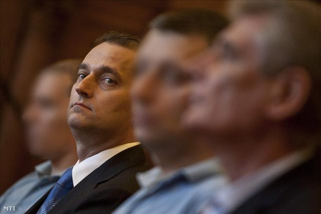Hunvald György 2011-ben a bíróságon