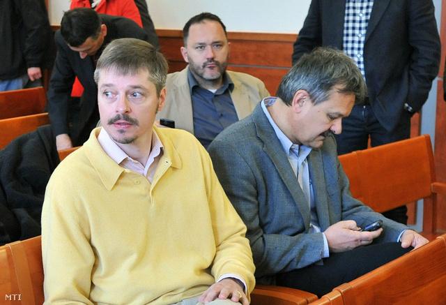 Kerék-Bárczy Szabolcs és Debreczeni József az UD Zrt.-vel összefüggésben megvádolt politikusok büntetőperének ítélethirdetésén 2012. árpilis 25-én