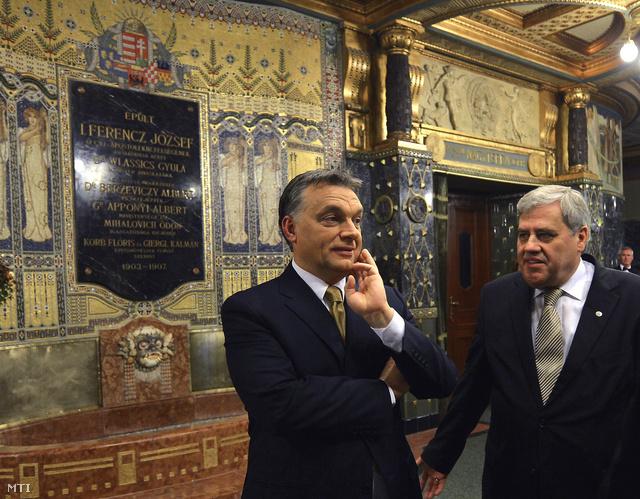 Orbán Viktor és Batta András a megújult Zeneakadémia megnyitója előtt