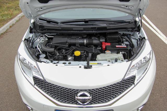 Átdolgozott, Euro6 kompatibilis dízelmotor. Remek darab