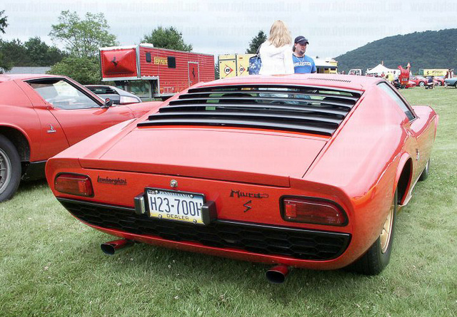 A Lamborghini Miura és a De Tomaso Mangusta ugyanazoka a lámpákat használták egy időben