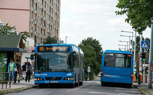 Bármibe szerelhető, kis átmérőjű fényszórók és Fiat Ducato hátsólámpák a Budapesti Volvo buszokon