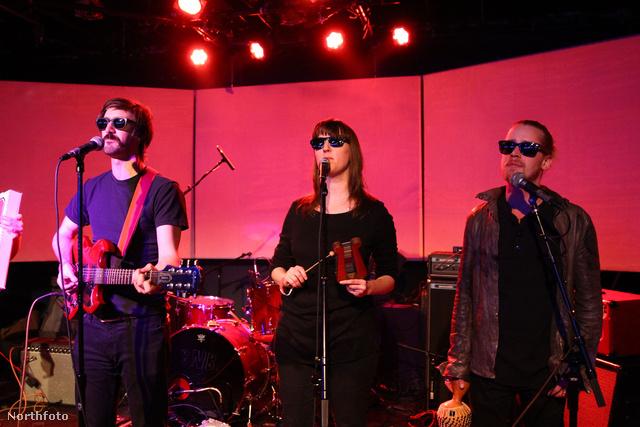 A Pizza Underground fergeteges koncertet adott New Yorkban.