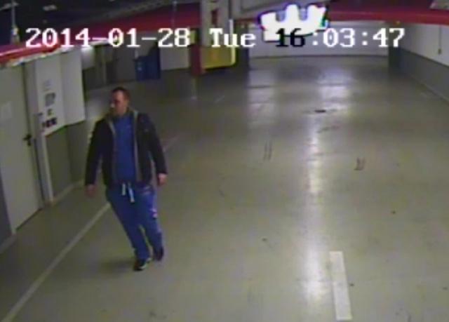 A biztonsági kamera felvétele a rablóról.