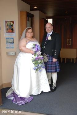 Gemma és Paul Martin az esküvőjükön