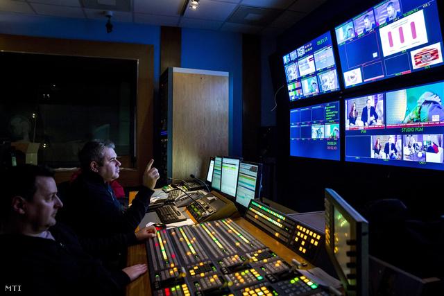 Vezérlő a TV2 kereskedelmi televízió XIV. kerületi Róna utcai stúdiójában 2014. január 16-án.