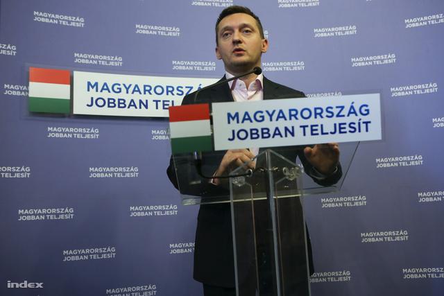 Rogán Antal a Parlamentben tartott sajtótájékoztatón