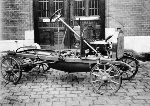 1908–12-es négyhengeres Csonka kisautó alváza