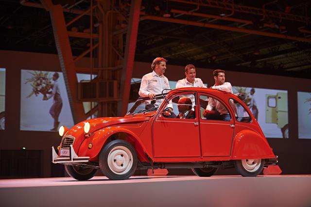Muller, Loeb, Lopez és a 2CV