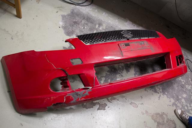 Közepesen csúnya a Suzuki-lökhárító sérülése - még érdemes megjavítani