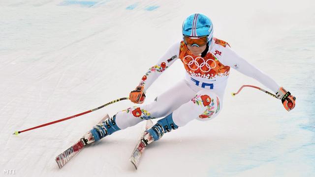Miklós Edit a 2014-es szocsi téli olimpia alpesi-síversenyei női szuperkombinációjának lesiklásában.