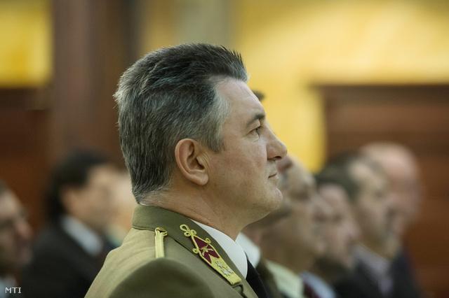 Fapál László a Honvédelmi Minisztérium volt közigazgatási államtitkár másodrendű vádlott az ítélethirdetésen a Fővárosi Ítélőtábla tárgyalótermében 2014. február 12-én.