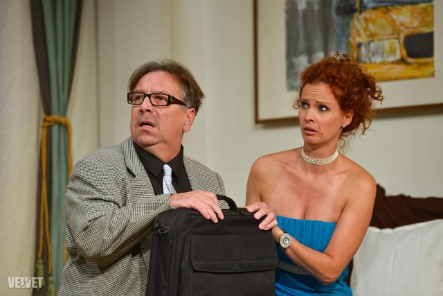 Bajor Imre és Dobó Kata egy szeptemberi színházi premieren.