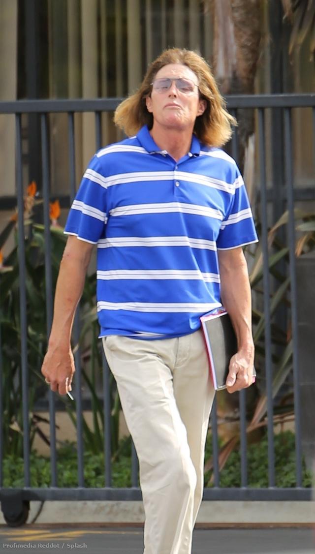 Bruce Jenner hajhosszabbítás után