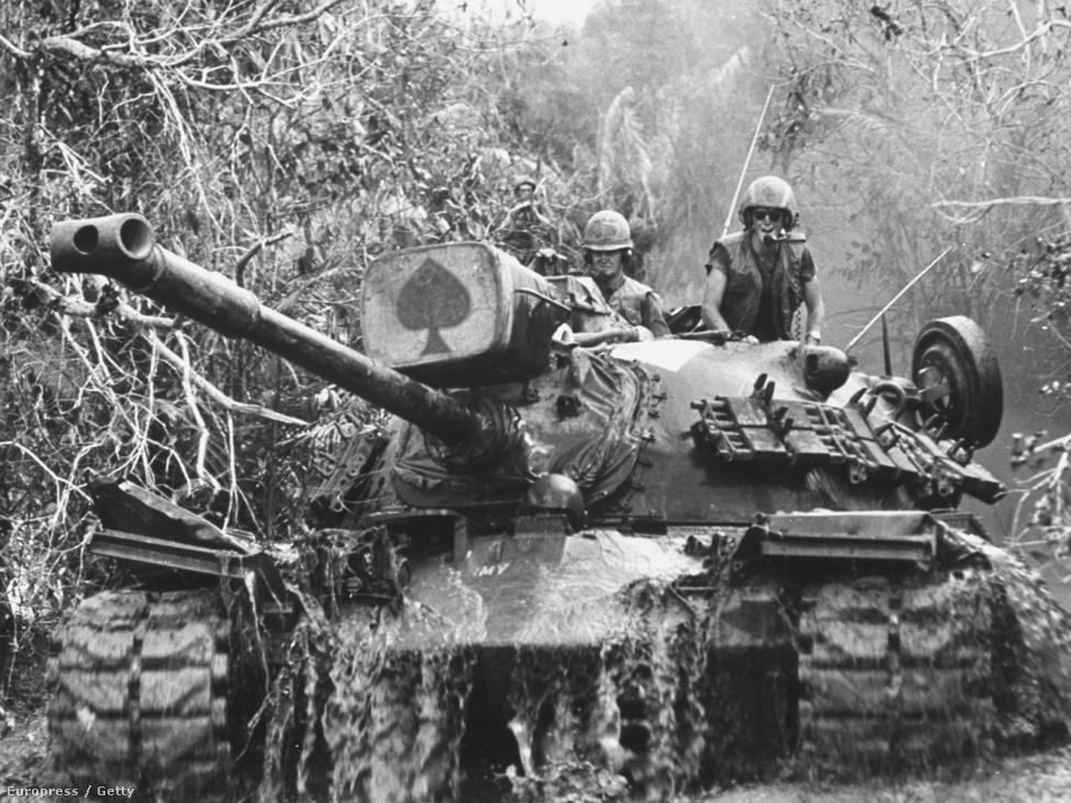 1966 és 1969 között Rentmeester Ázsiában dolgozott, főként a vietnami háborúról tudósított a Life magazinnak. Rentmeester első nagyobb megbízása volt 1967-ben az a vietnami tudósítás, ahol egy tank személyzetéről készített tudósítást és ami rögtön World Press díjat is nyert.