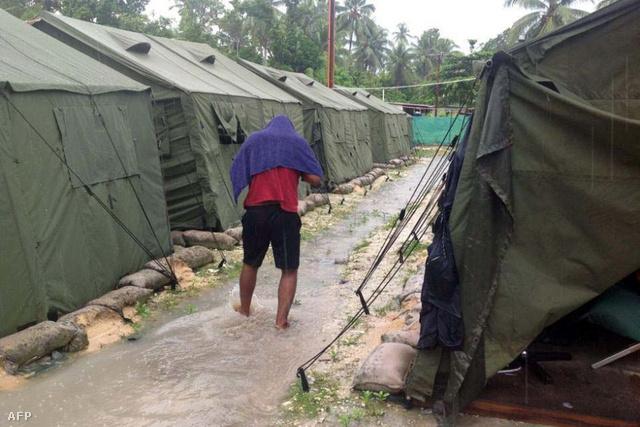 Sátrak a manus-szigeti menekülttáborban