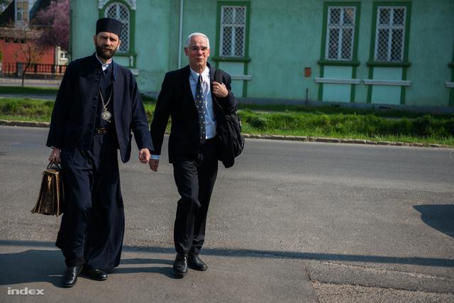 Balog Zoltán érkezik a Görögkatolikus Egyházat képviselő pappal