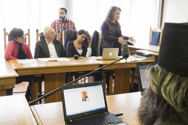 Farkas Lilla a felperes jogi képviselője a tárgyaláson a Nyíregyházi Törvényszéken, 2014. február 18-án.