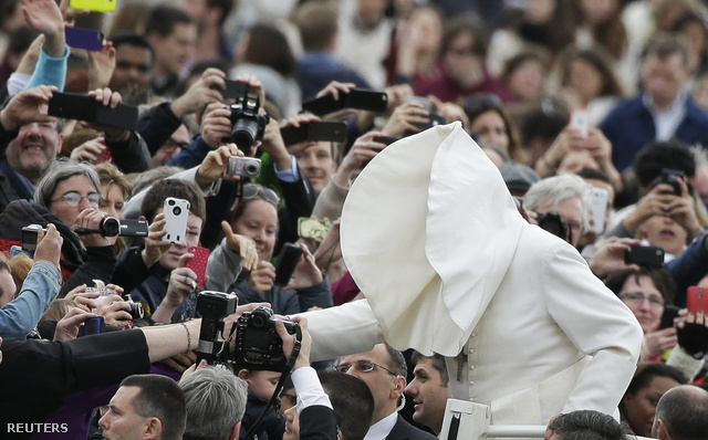 2014-02-19T095011Z 816370051 GM1EA2J1DGA01 RTRMADP 3 POPE