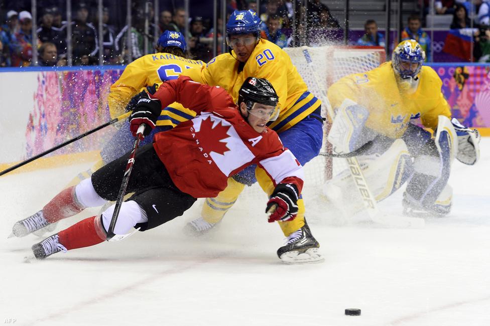 A csapatsportok elsöprő kanadai sikert hoztak, hiszen curlingben és jégkorongban is övék lett a négy arany. A férfi hokisok Jonathan Toews, Sidney Crosby és Chris Kunitz góljaival verték Svédországot, megvédve Vancouverben szerzett címüket.