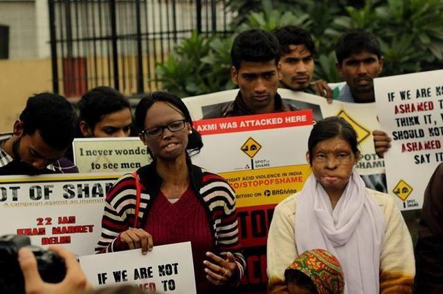 Tiltakozó áldozatok