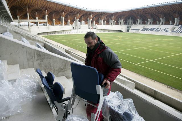 Ilyenek lesznek a stadion székei