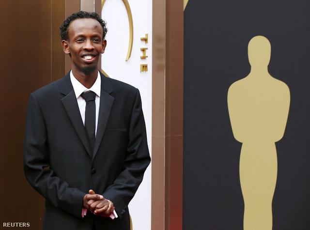Barkhad Abdinak a Phillips kapitányban alakított szomáliai kalóz volt élete első filmszerepe, előtte sofőrként dolgozott