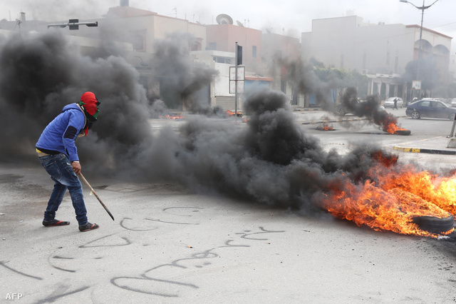 Az Általános Nemzeti Kongresszus elleni tüntetés Tripoliban