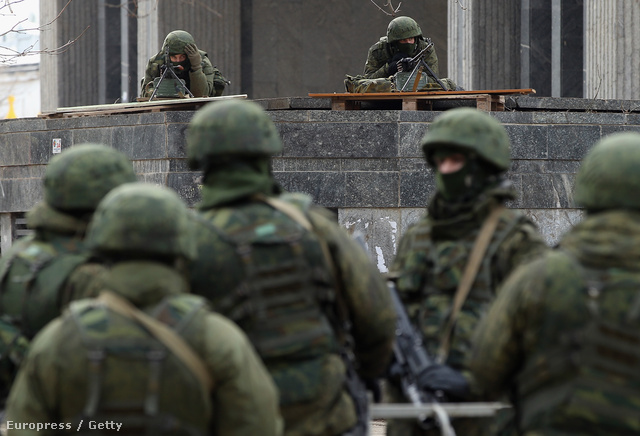 Orosz katonák a Krím félszigeten, március 3-án