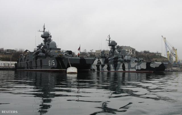 Orosz hadihajók Szevasztopolban