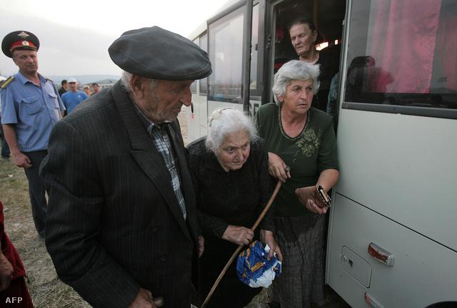 Dél-oszét nyugdíjasok evakuációja 2008-ban