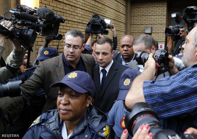 Pistorius elhagyja a bíróságot a keddi tárgyalási nap után