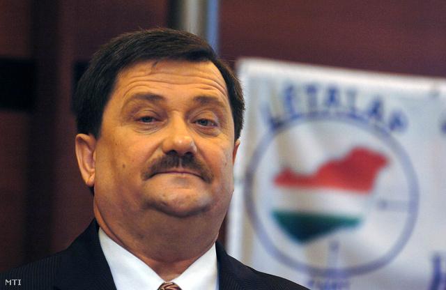 Urbán-Szabó László 2005-ben, a LÉTALAP elnökeként
