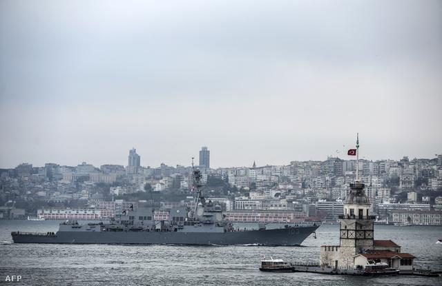 A USS Truxtun március 6-án Boszporusznál