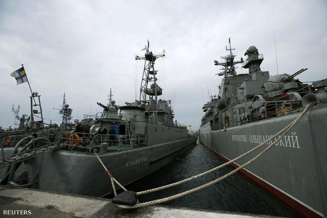 Jevpatoria kikötőjében horgonyzó ukrán hadihajók