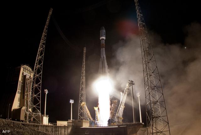 Az Ariane hordozórakéta startol a Francia Guyanában lévő Kourou űrközpontjában 2013. december 19-én, fedélzetén a Gaia névre keresztelt műholddal.