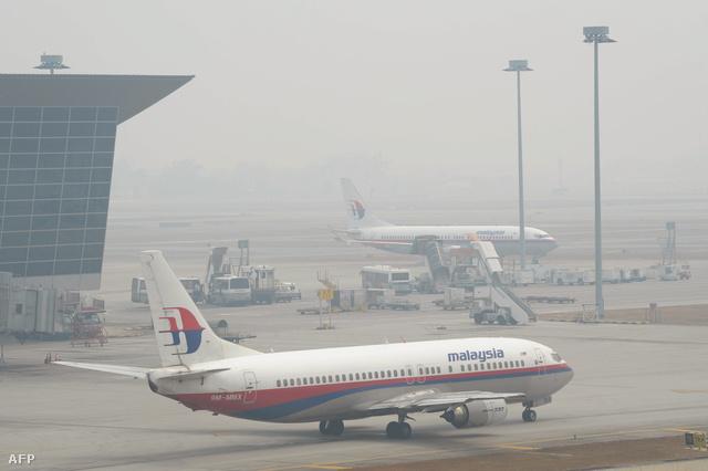 Szombaton tűnt el a radarokról a Malaysian Airlines Boeing 777-200-as utasszállítója Thocu szigete környékén. A gép Kuala Lumpurból ment volna Pekingbe, 239 emberrel a fedélzeten.