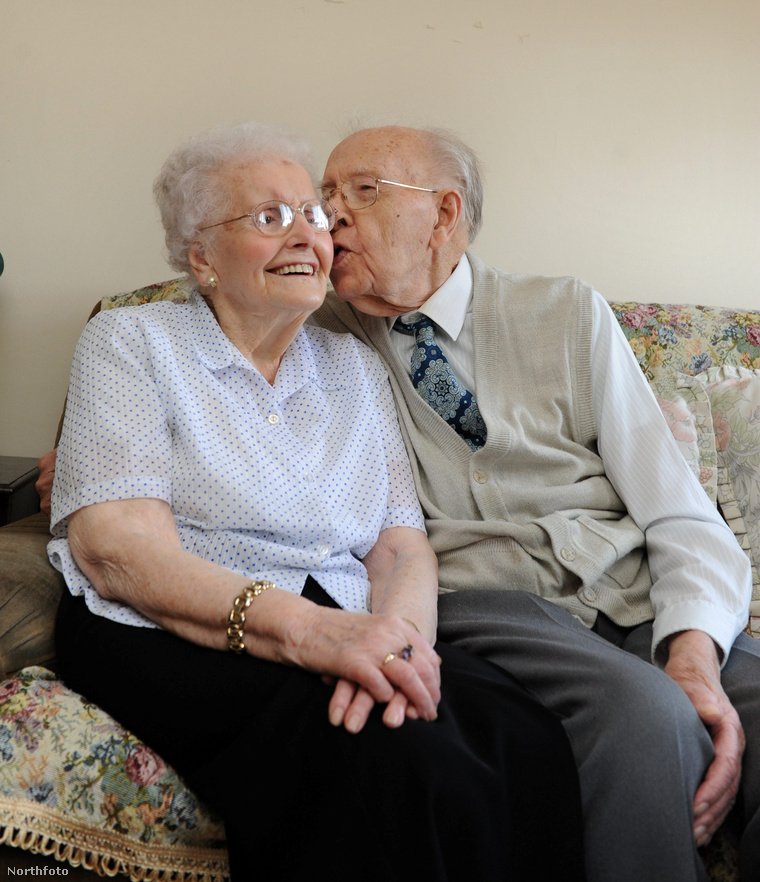 tk3s hemedia oldest couple 090086590
