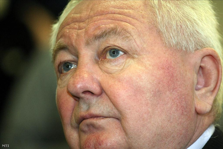 Stadler József bírósági tárgyalásán 2011-ben