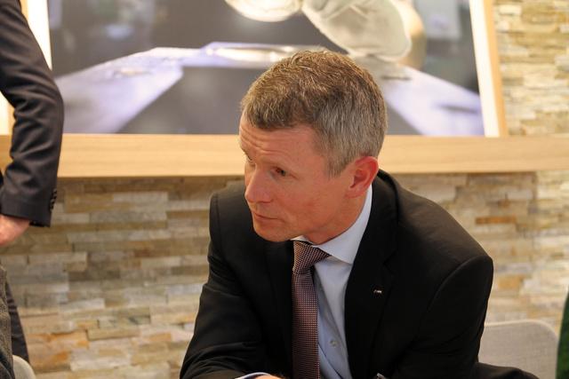 BMW M GmbH termékmenedzsmentért felelős igazgatója nehéz ellenfél