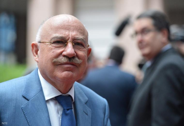 Martonyi János magyar külügyminiszter az EU-országok Ukrajna ügyében összehívott külügyminiszteri tanácskozására érkezik