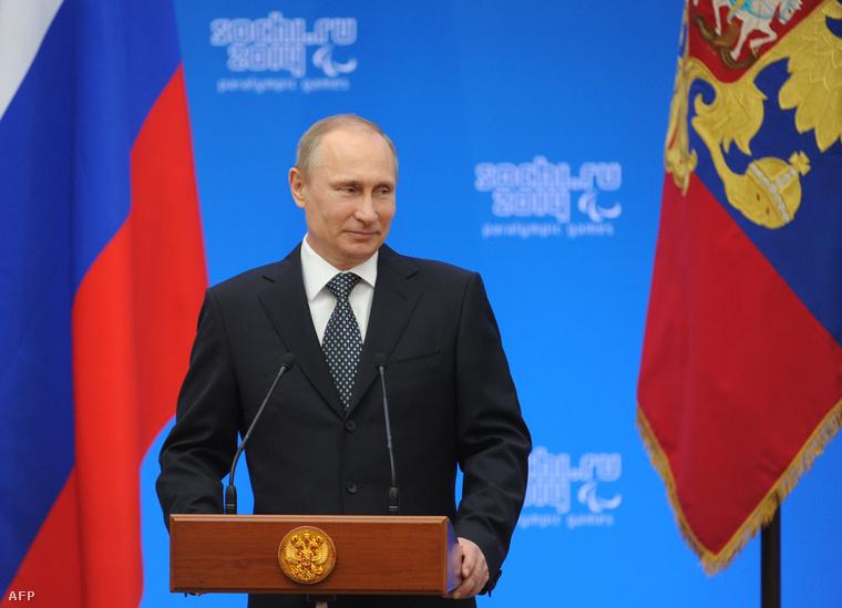 Putyin az orosz olimpiai sportolóknak szervezett ünnepi fogadáson, hétfőn délután